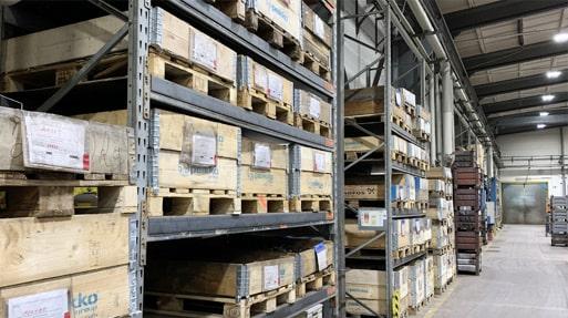 Regale zur Lagerung von Halbzeugen